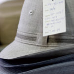 ベーシックな紳士用帽子も同社の得意とするところ。
