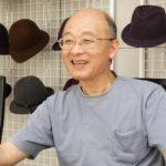 自ら帽子の製造も手がける東浦邦治前社長。