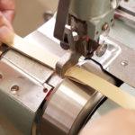 製作は外部の職人が受け持つが、試作品作りは自社で行う。