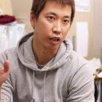 社長の長男の成島和也氏は、企画、営業から試作品作りまでをこなす。得意先のデザイナーにとって頼もしい存在だ。