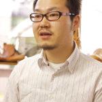 企画営業担当の李宗鎭(イ・ジョンジン)氏(34歳)。日本の専門学校を卒業後、パイオニアに入社して4年目になる。