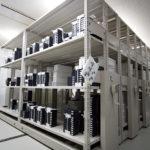 管理の行き届いた製品保管庫。結露を防ぐために、外気温と同じ状態に保たれている。